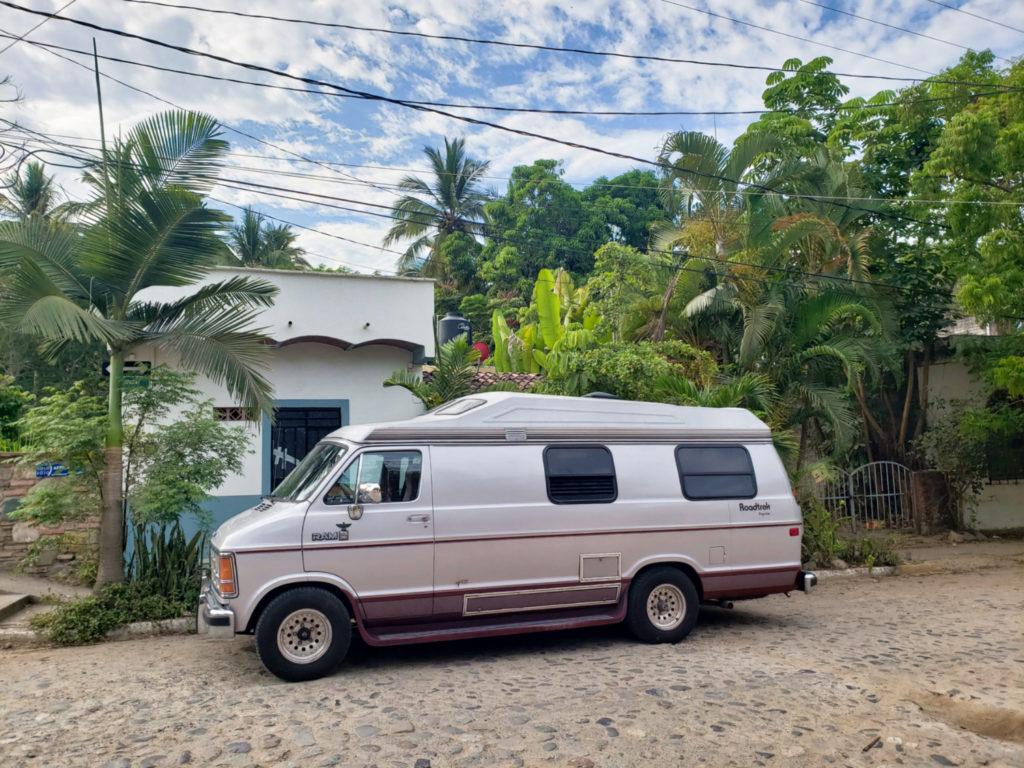 Crossing the Mexico-US border by Van: Complete Guide // BUCKETLIST BRI