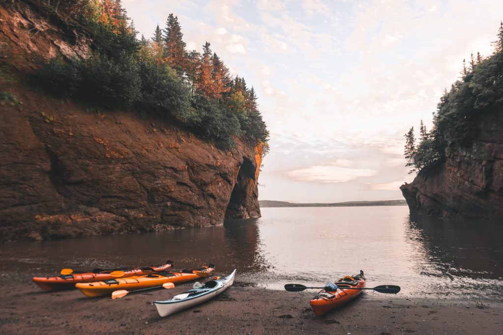 Sea Kayaking with Red Rock Adventure in the Bay of Fundy, St. Martins, New Brunswick #Canada #outdoors #adventure #travel // BUCKETLIST BRI www.bucketlistbri.com