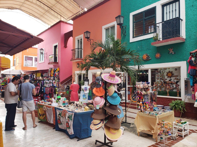 mercado 28 in cancun mexico