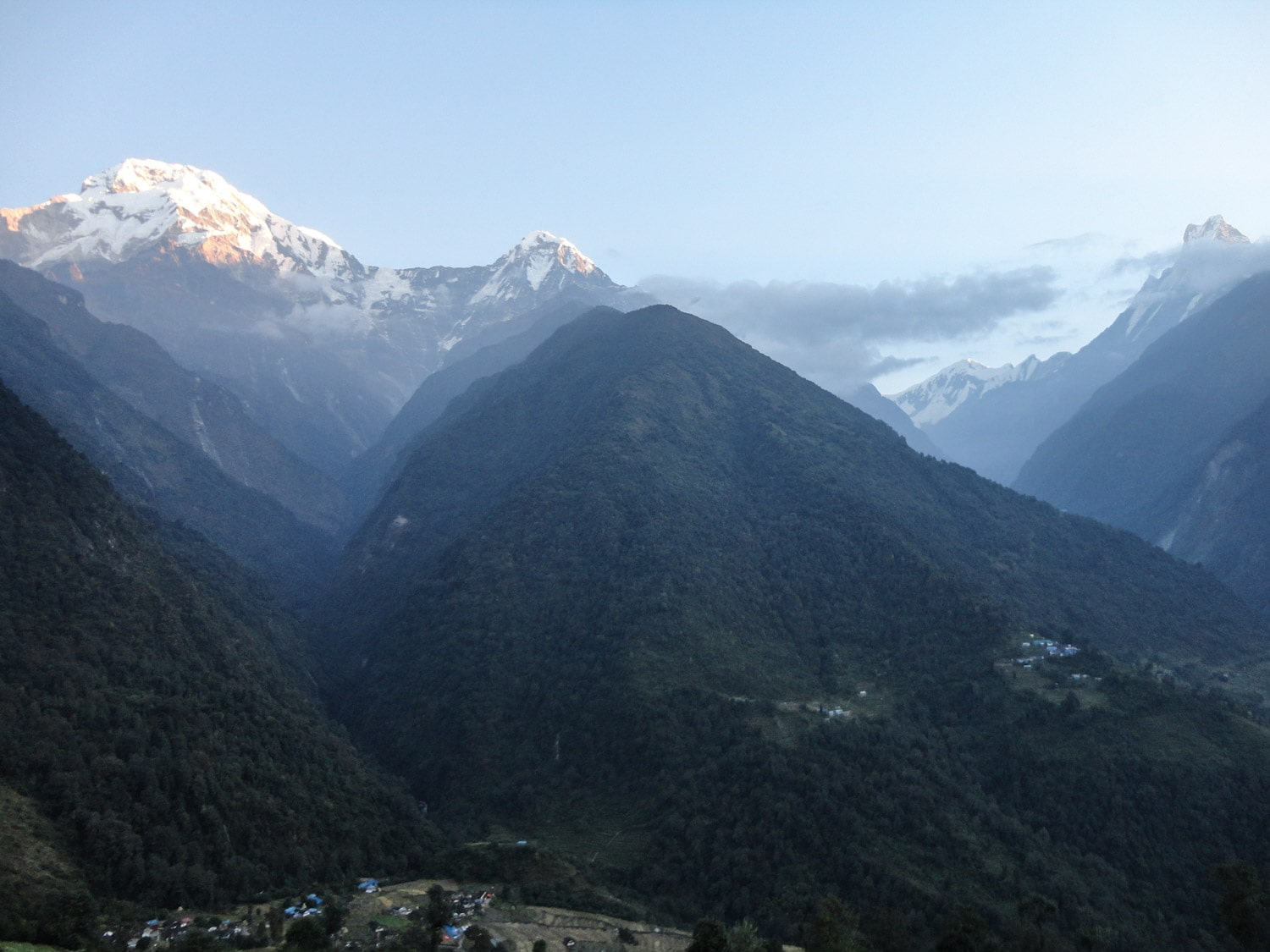 Chomrong Valley ABC Trek | Bucketlist Bri 10 Days Annapurna Base Camp Trekking Itinerary