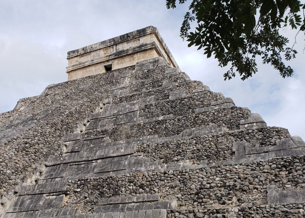 Chichén Itzá: 10 Things to Do and Know + Day Trip Itineraries #mexico #bucketlist #chichenitza