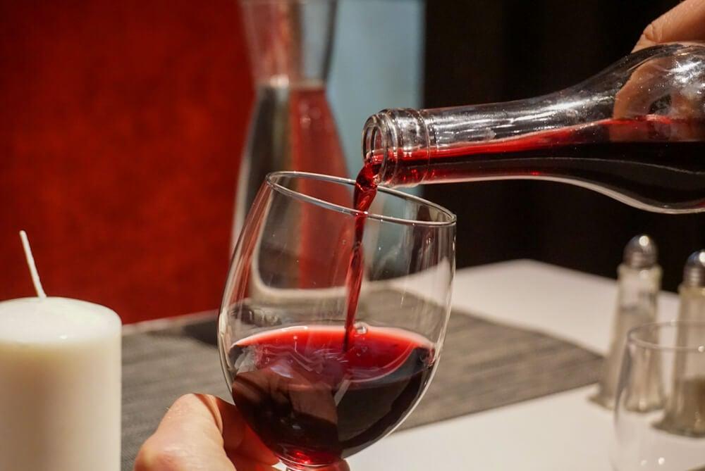 red wine glass | bouchon lyonnais | lyon, france