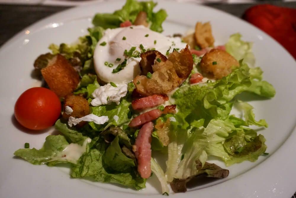 salade lyonnaise bouchon lyonnais