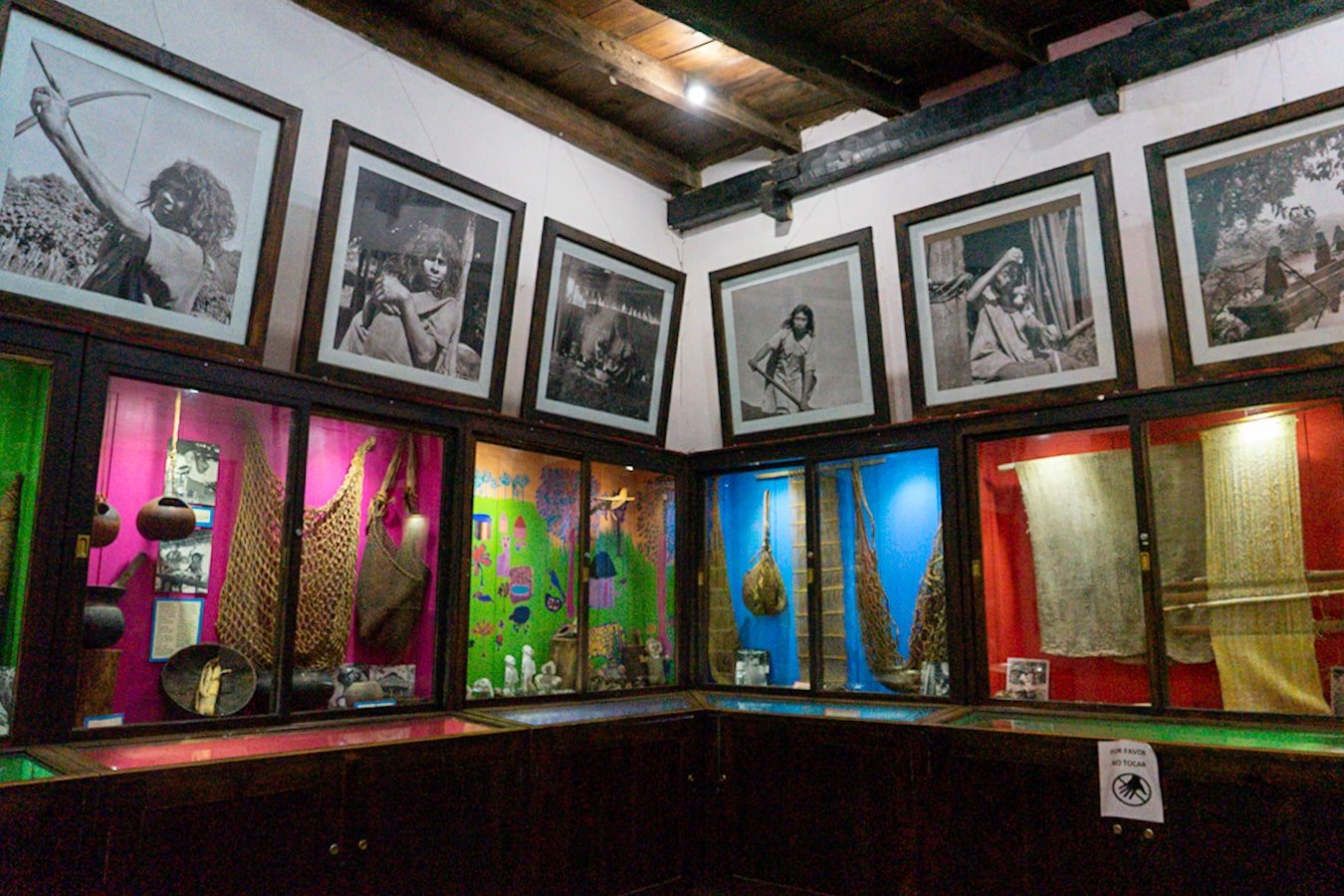 the Lacandon Room inside Museo Na Bolo with photographs and artifacts