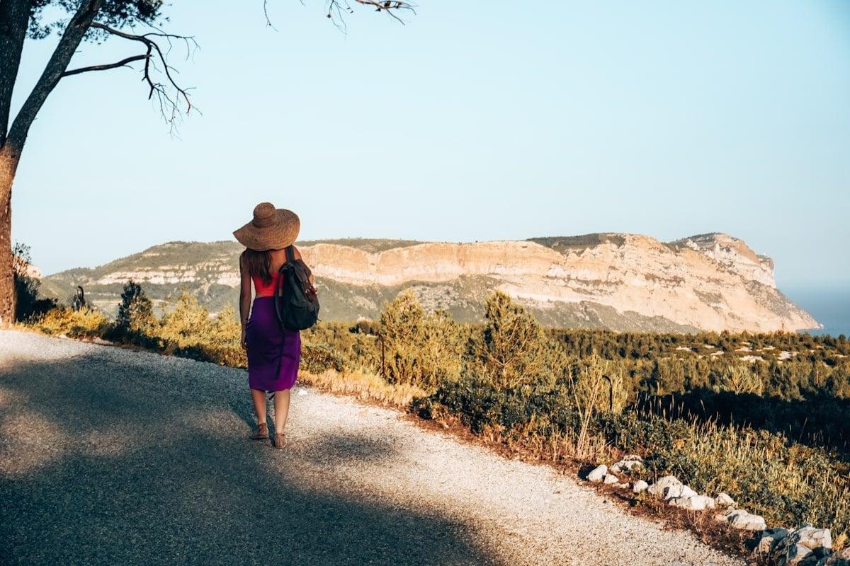 digital nomad girl in marseille france