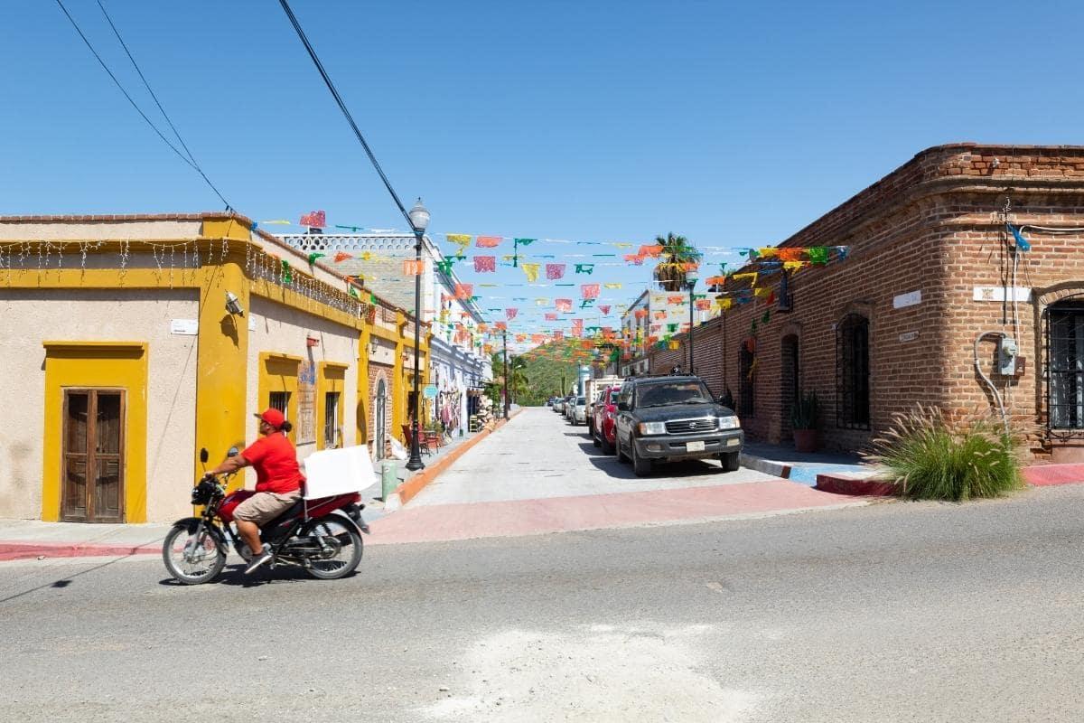 todos santos street in mexico