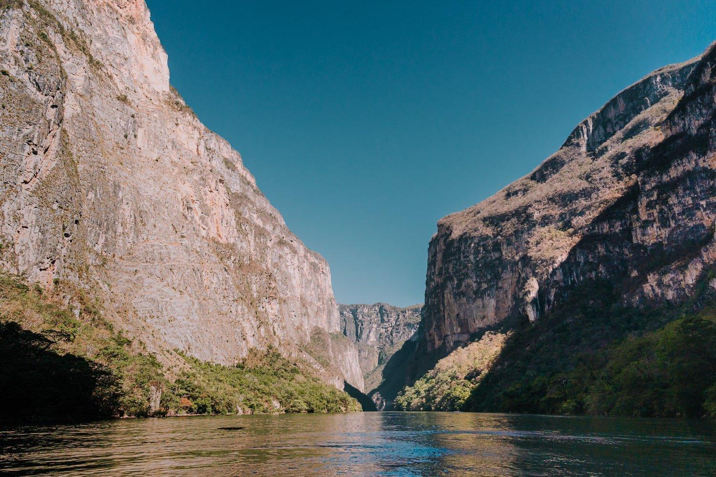 View of Sumidero Canyon (Canon del Sumidero) via boat tour