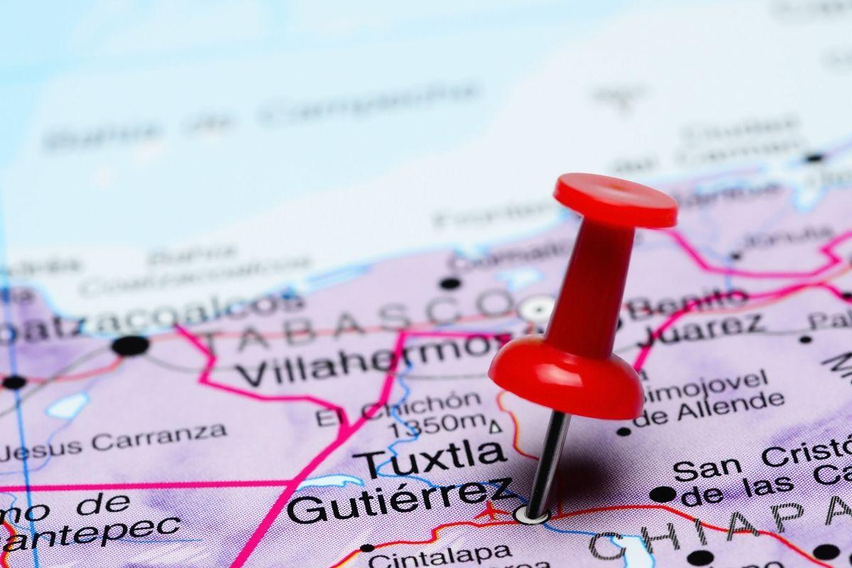 map with red pin locating tuxtla gutiérrez mexico