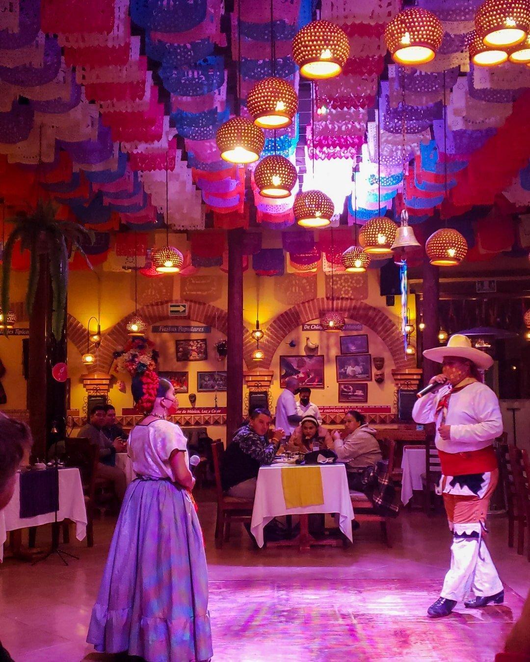 chiapaneco dancers inside las pichanchas restaurant in san cristobal de las casas