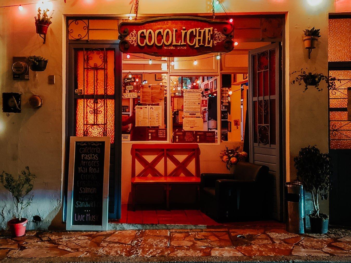 entrance of Cocoliche restaurant in san cristobal de las casas