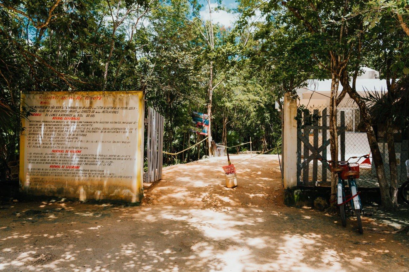 cenote cristal entrance